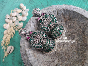 Greening long kemp with kundan Jhumkas