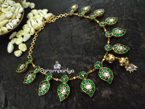 Paisely green necklace