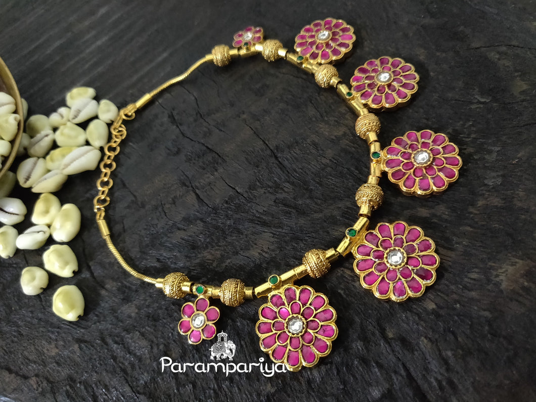 Floral kundan necklace