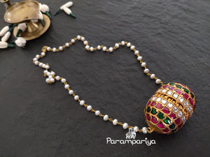 Jumbo kundan pendant necklace