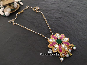 Star kundan pendant necklace