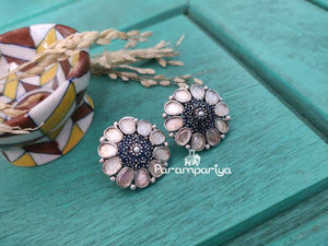 Enchanting floral stud