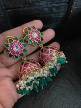 Load image into Gallery viewer, Kundan jhumkas