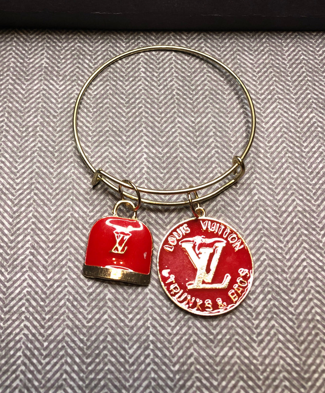 LV Red Gold Bangle