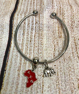 Delta Lady Silver Charmed Bangle