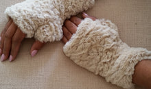 Load image into Gallery viewer, Beige Faux Fur Mittens