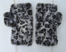 Load image into Gallery viewer, Bobcat Faux Fur Half Mittens