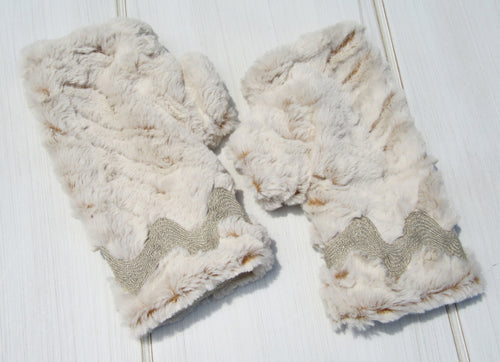 Beige Faux Fur - French Linen Ric Rac Trim