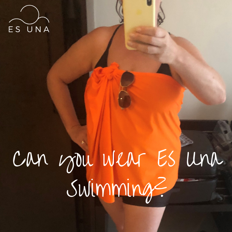 Can you wear Es Una swimming?