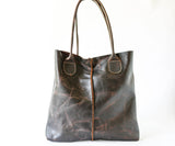 Shopper Tote in Distressed Brown