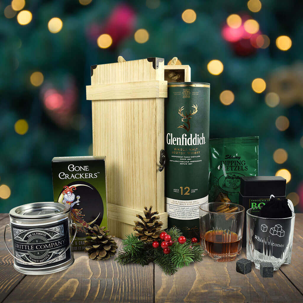 An Evergreen Christmas.An Evergreen Christmas Gift Basket