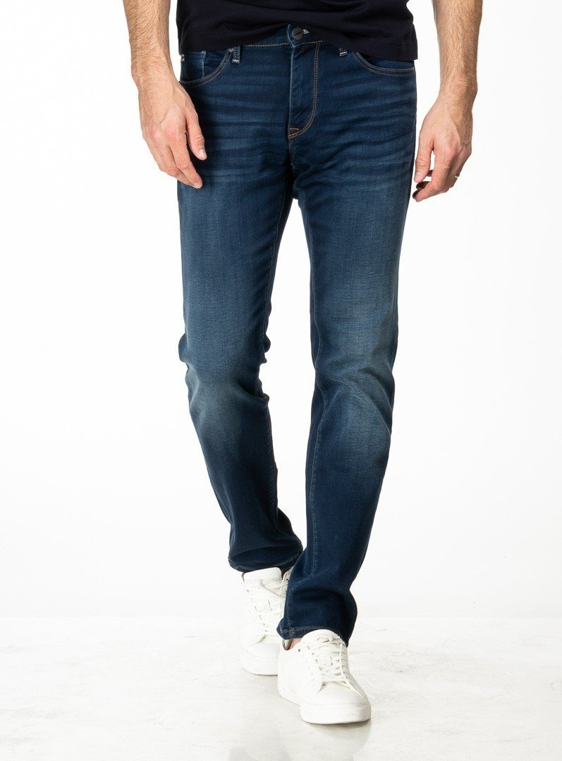 denim sporty jeans - jake from brand mavi. ernest -blue