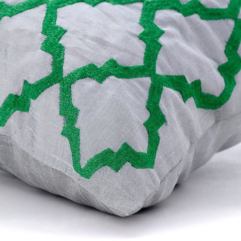 products/green-parade-linen-moroccan-contemporary-lattice-trellis-embroidery-decorative-pillow-covers_63a9933c-26f5-4a87-938a-6503e4d10f63.jpg