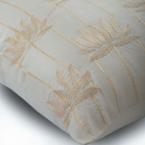 products/lotus-serene-ivory-silk-nature-floral-contemporary-decorative-pillow-covers_eaa4b943-9064-4e7c-abbe-e7dc16d69029.jpg