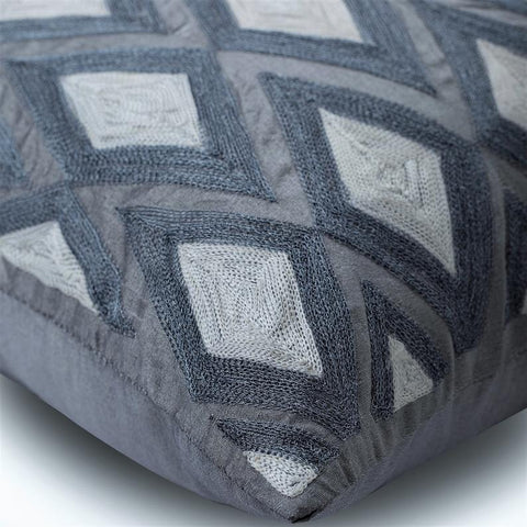 products/magnet-resist-silver-silk-geometric-modern-embroidery-decorative-pillow-covers_da07bd28-5a89-4690-93e8-3956e5b00100.jpg