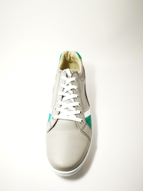 Delorean Sneakers - KUNST & EATS