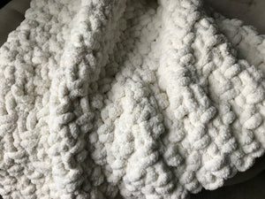 Chunky Knit Blanket | Soft Ivory Knit Throw - Hands On For Homemade