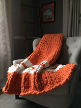 Load image into Gallery viewer, Chunky Knit Texas Longhorns Blanket