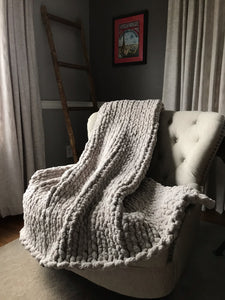 Chunky Knit Light Gray Throw