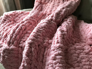 Chunky Knit Blanket | Light Pink Knit Throw - Hands On For Homemade