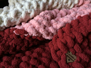 Chunky Knit Throw Blanket | Red Pink and White Knit Throw - Hands On For Homemade