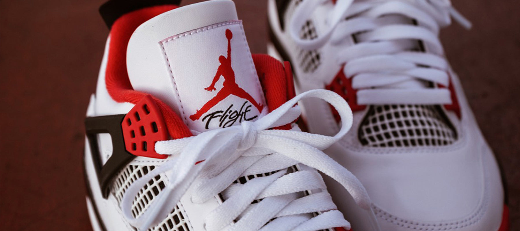 Air jordan 4 Fire Red Banner