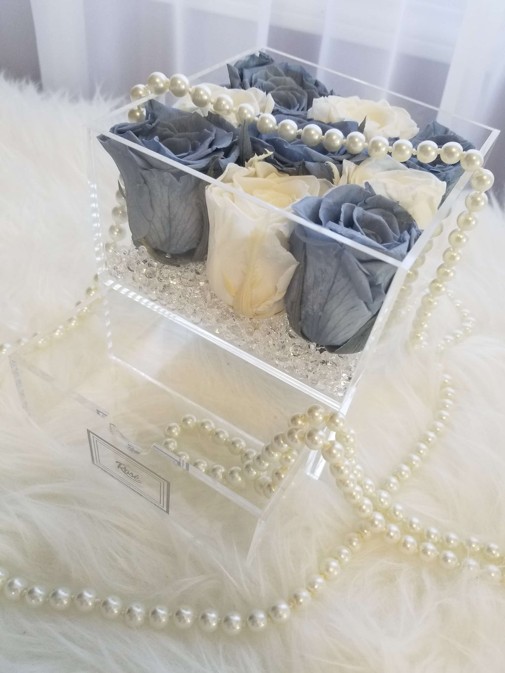 Checkered 9 Grey White Roses Keepsake Box
