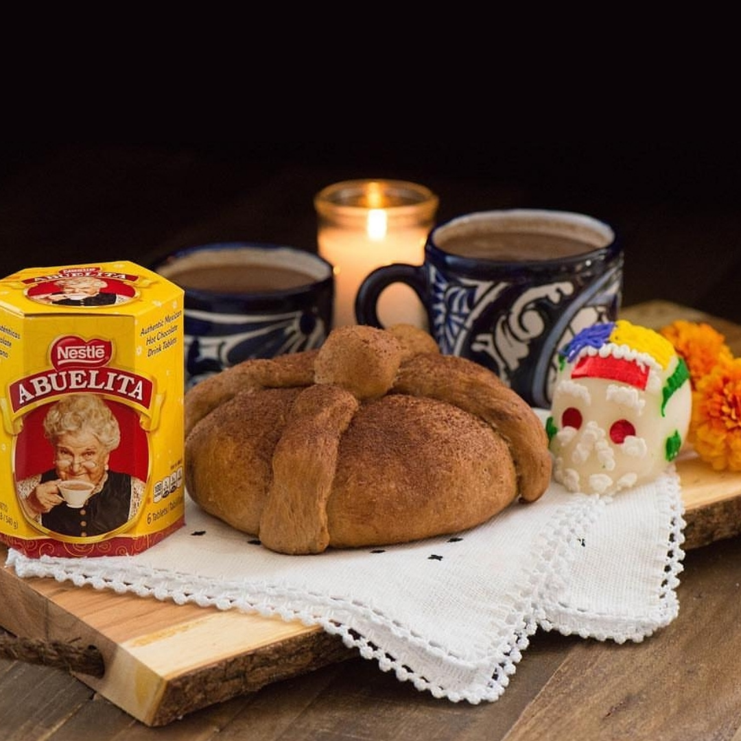 Abuelita Pan de muerto (Day of the Dead Bread)