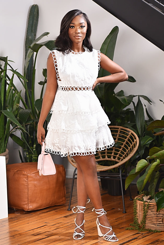 EYELET RUFFLE DRESS (WHITE)