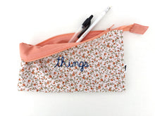 Load image into Gallery viewer, vintage floral zipper pouch