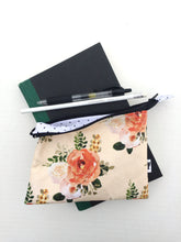 Load image into Gallery viewer, flower mini pouch