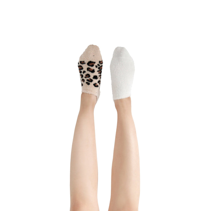 Women's Leopard Print Fuzzy Ankle Socks with Grips - 2 pk