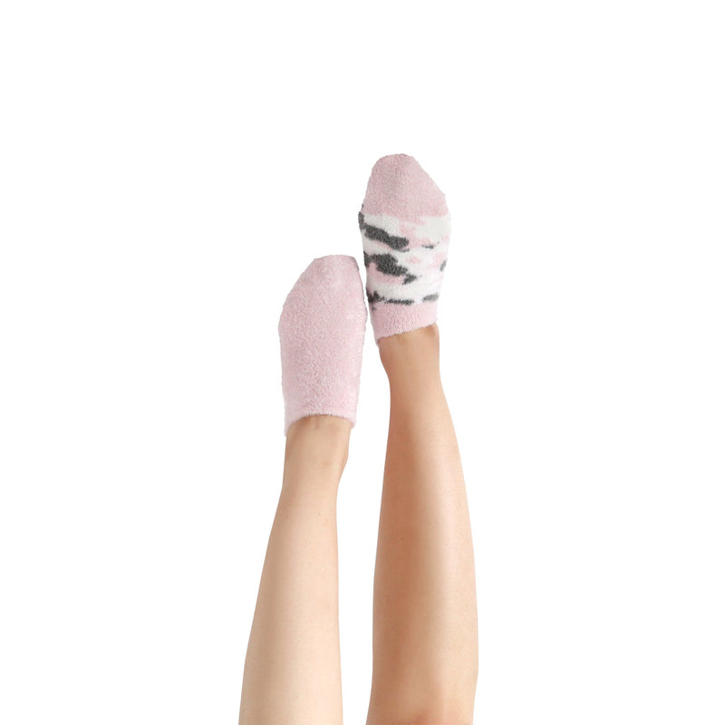 Women's Pink Camo Fuzzy Ankle Socks with Grips - 2 pk