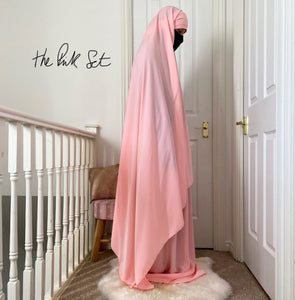 THE PINK SET SALAH DELUXE (cape +Skirt )