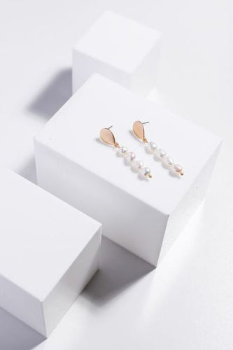 Holiday - Gloria Earrings Pearl - J-E884