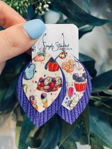 Disney treats leather earrings: medium petal shape