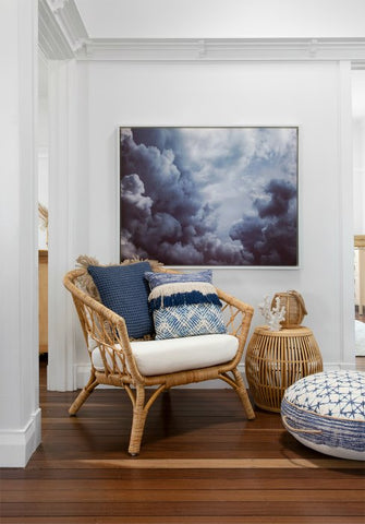 beach house style hall inspiration with blue and white cushions and can furniture