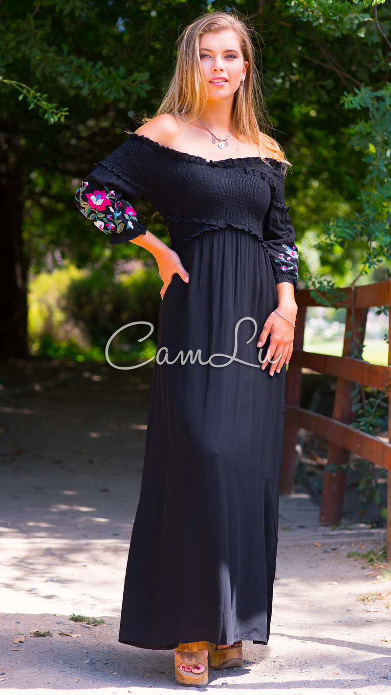 MAXI VESTIDO MEDIA ESTACIÓN STRAPLESS BORDADO  NEGRO