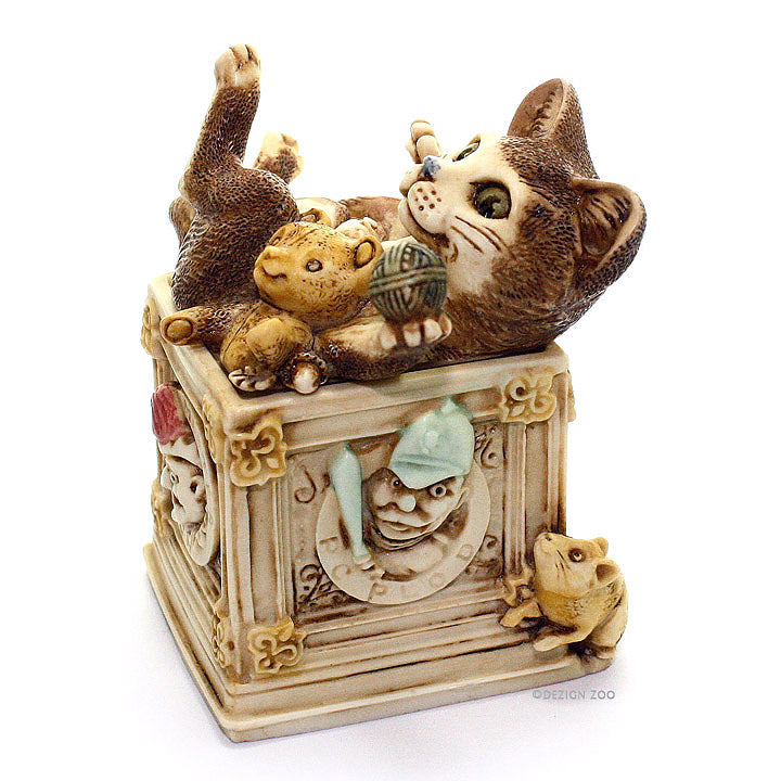 harmony kingdom courtenay cat in toy box right side view
