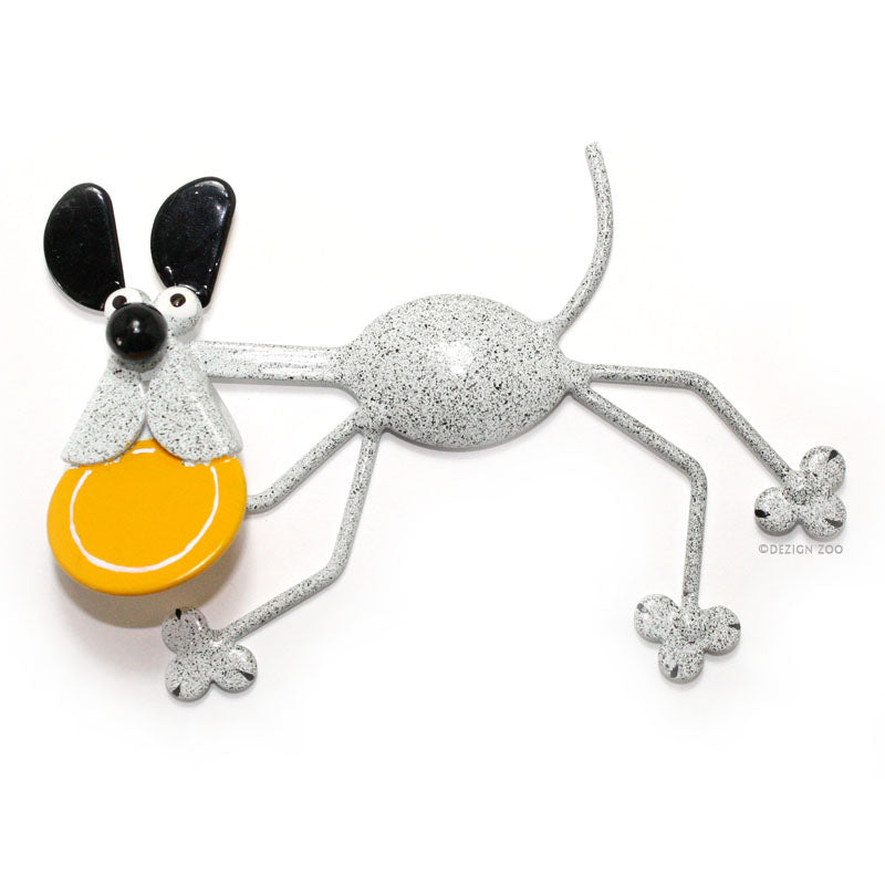 metal dog with frisbee spoon sculpture magnet