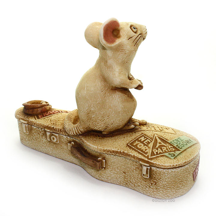 harmony kingdom mouse playing violin treasure jest back view