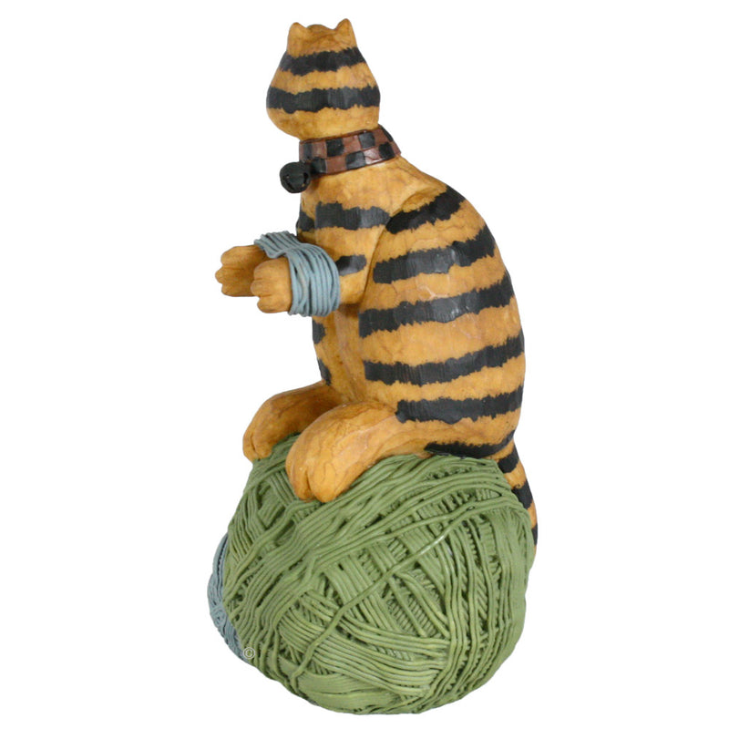 williraye studio spinning yarns cat figurine left side view