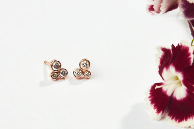 Motifs d'oreilles Louise diamants