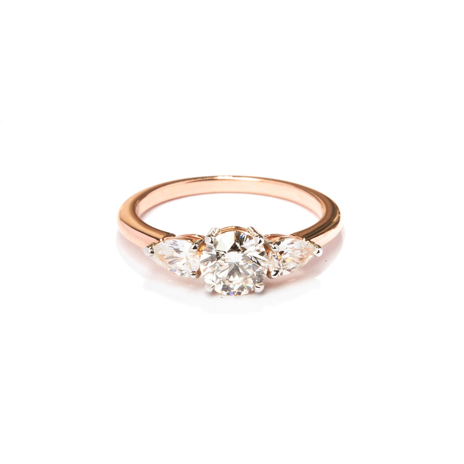 bague diamant monture fil transparent