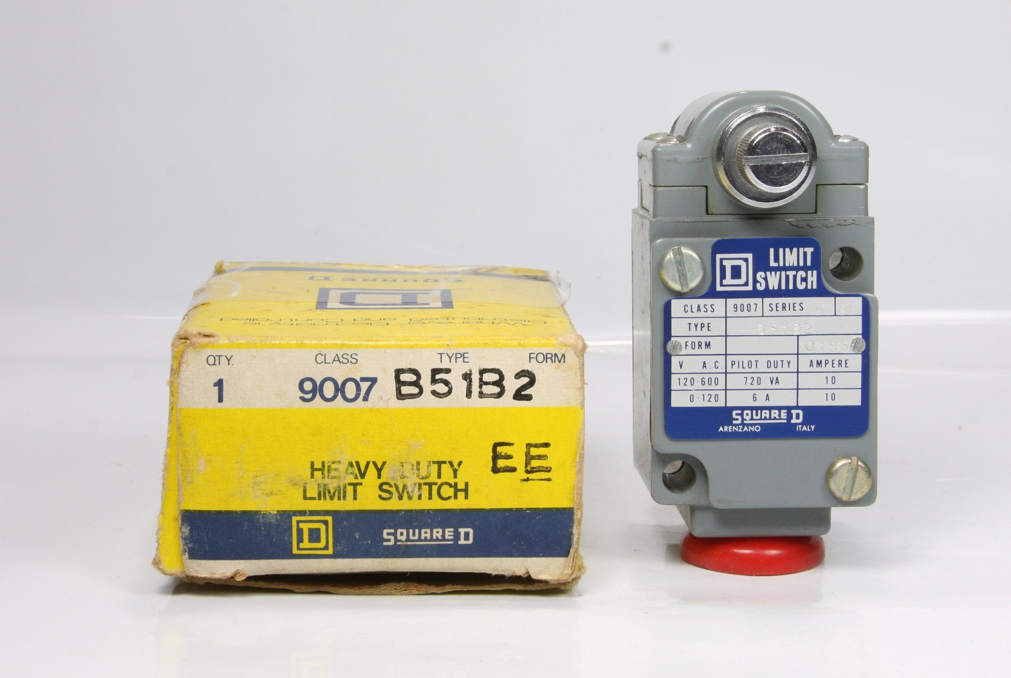 *New* SQUARE D Heavy Duty Limit Switch Class 9007 Type B51B2