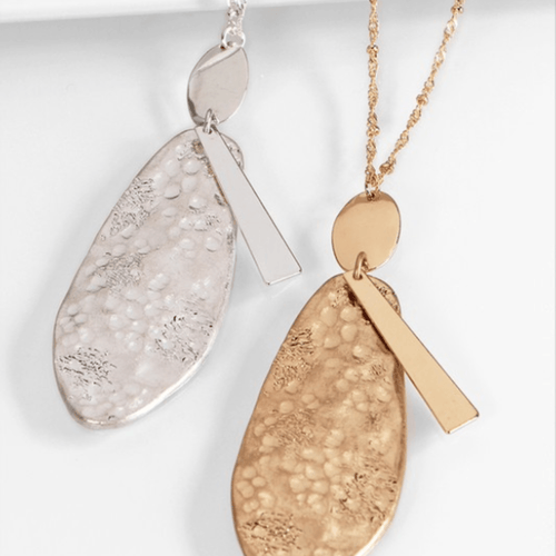 HAMMERED METALLIC NECKLACE WITH MATCHING EARRINGS (gold tone and silver tone)