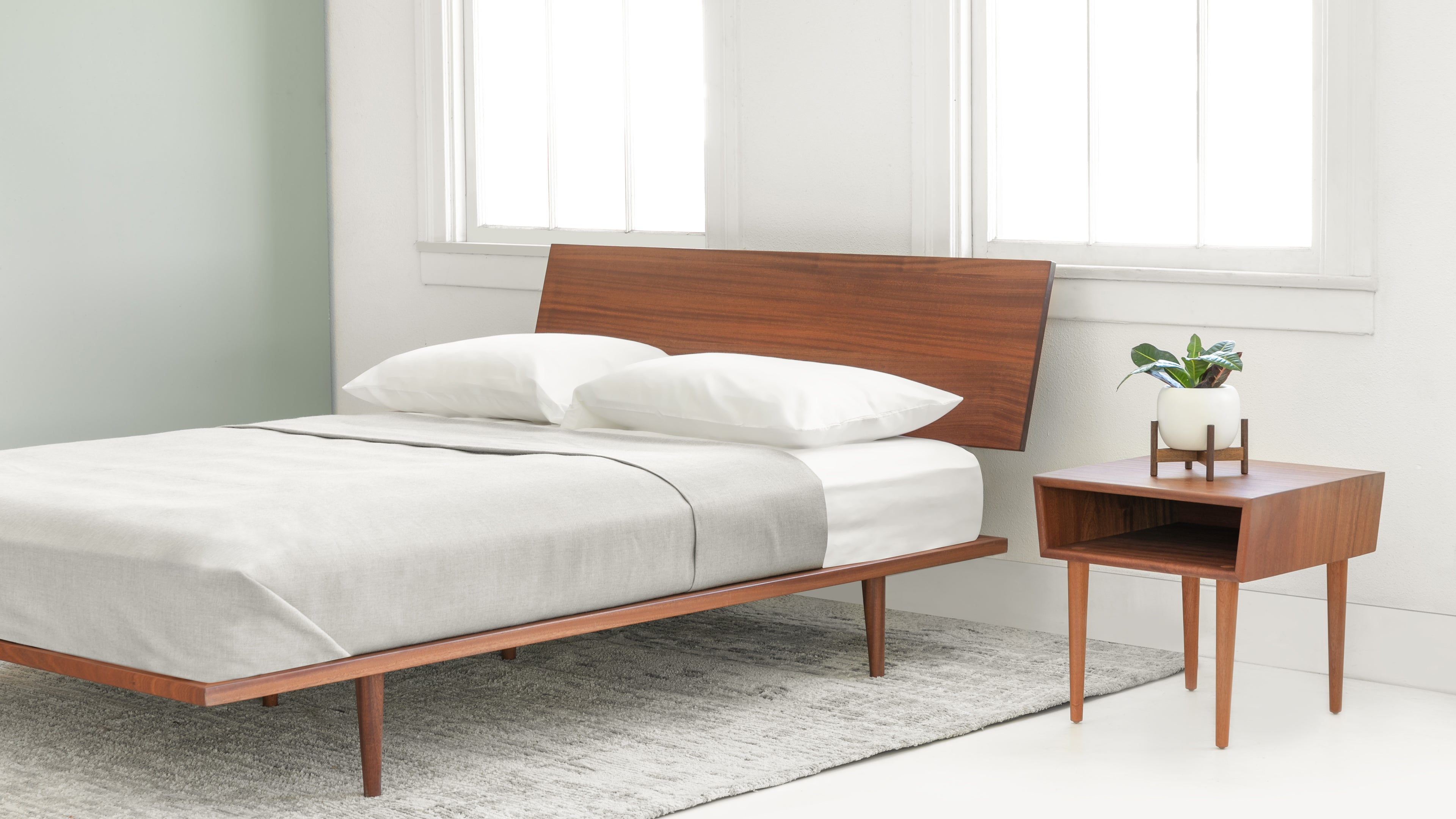 Case Study Furniture® Solid Wood Fastback Bed – Modernica Inc