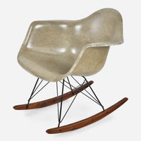 walnut-rocker-black-wire-pebble