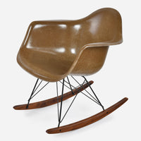walnut-rocker-black-wire-pumpernickel