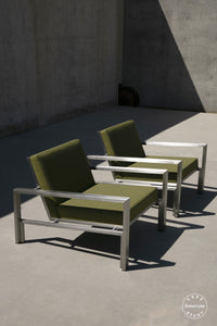 case-study®-stainless-lounge-chair-upholstered